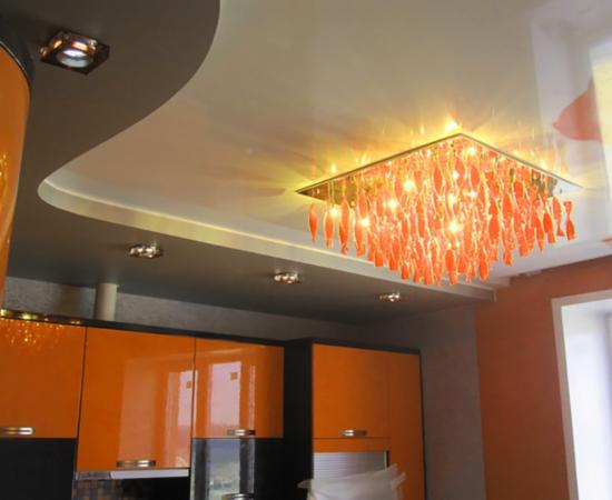 Натяжна стеля у ванній, на кухні, в коридорі